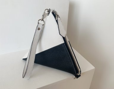 TRIANGLE BAG_ BW